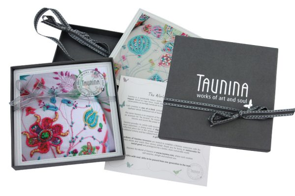 TAUNINA - Packaging Design - Brochure
